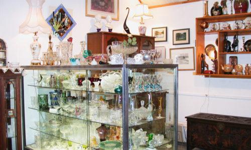 Gift-Shop---glassware-(Linda-Lambeth)